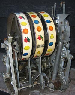 16_inside-old-fruit-machine
